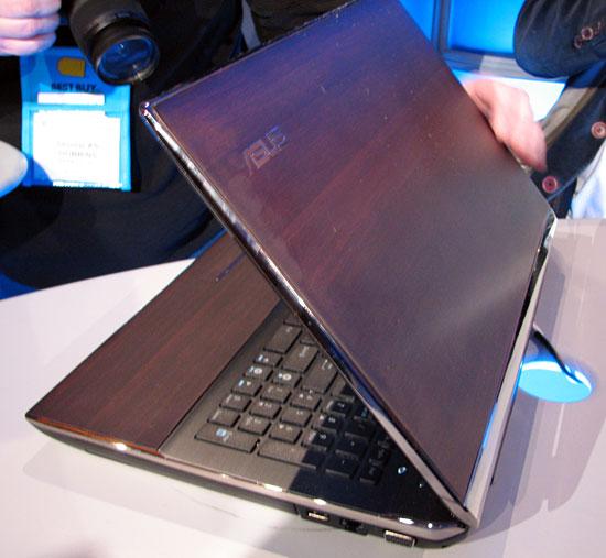 CES 2010: ASUS U53 U-Series Bamboo Notebook - Mobile  2
