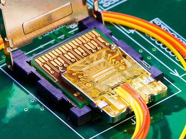 CES 2011: What was missing?  Intel Light Peak - General Tech 4