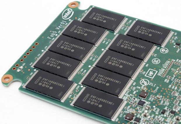 Honey I shrunk the Flash ... Intel's new 25nm 320 series of SSDs - Storage  1
