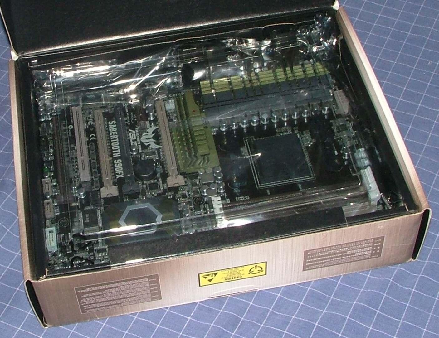 amd990fx-03.jpg