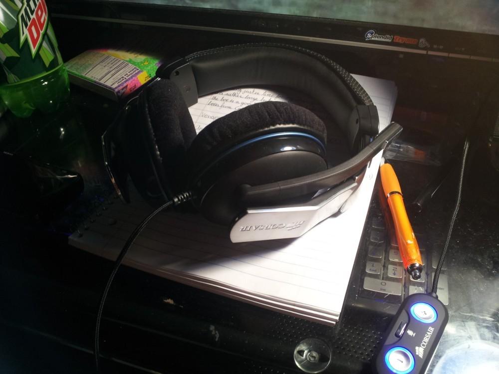 corsair-1500-headset-0.jpg