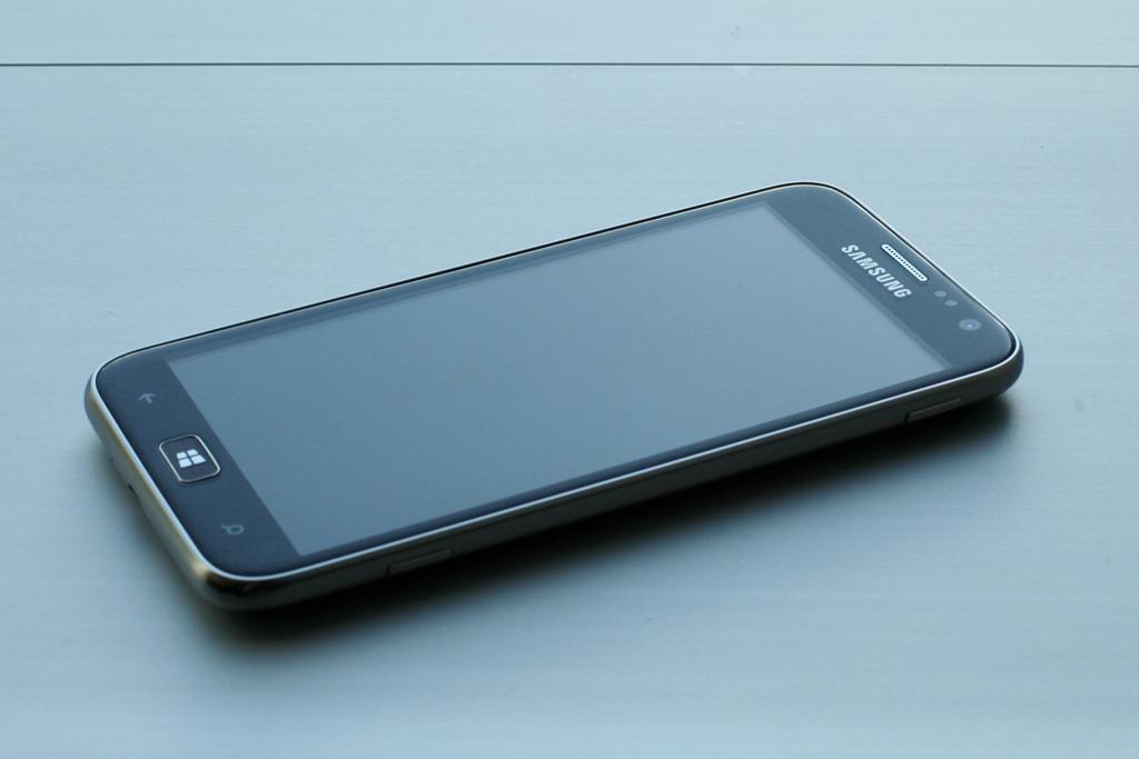 Samsung Unveils ATIV S WP8 Smartphone at IFA 2012