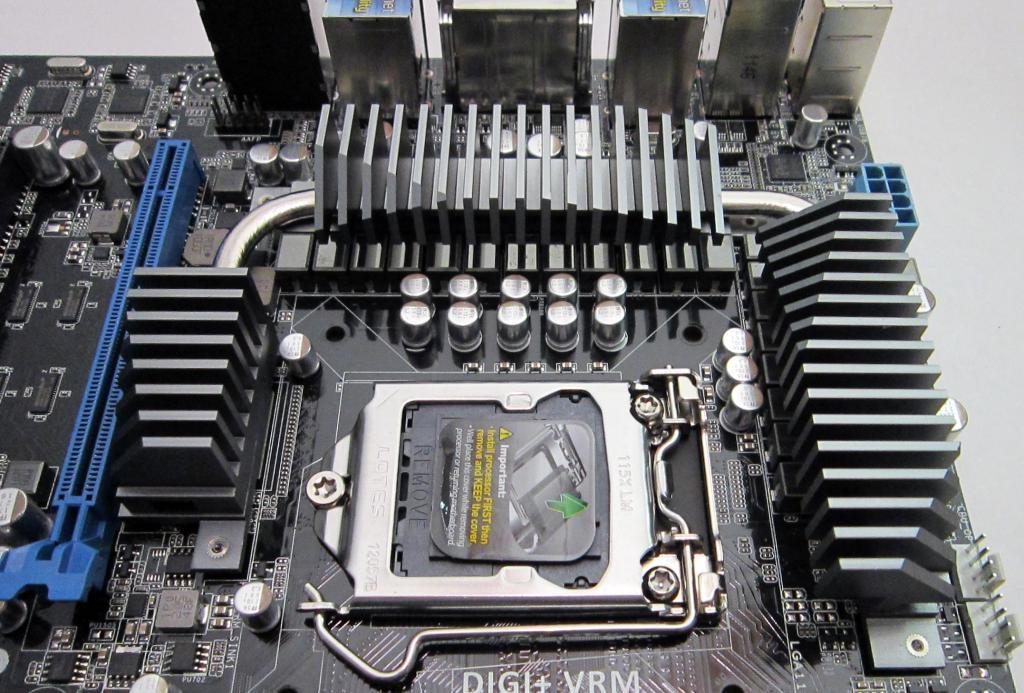 11-cpu-socket-bottom.jpg