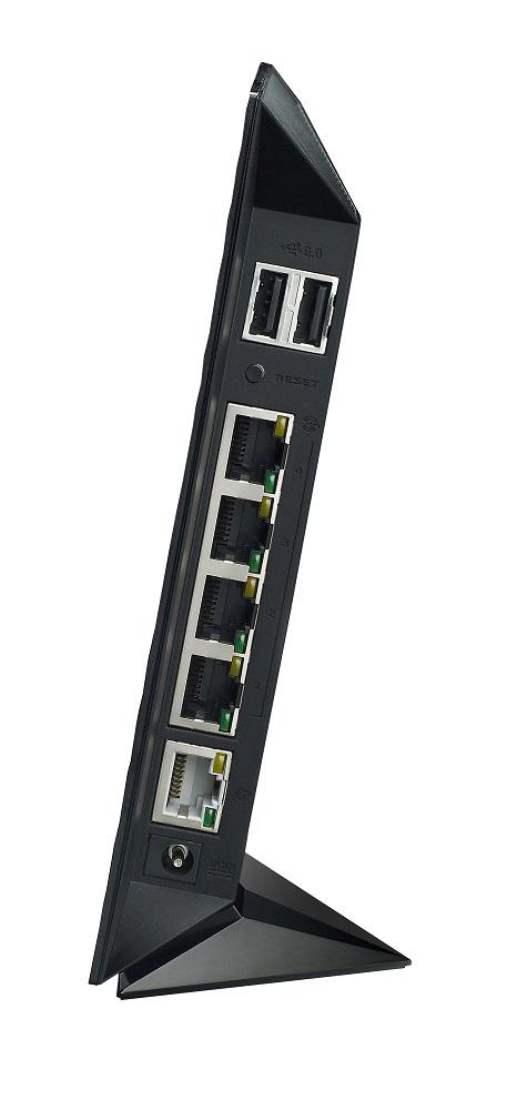 05-rtn56u-press-ports.jpg