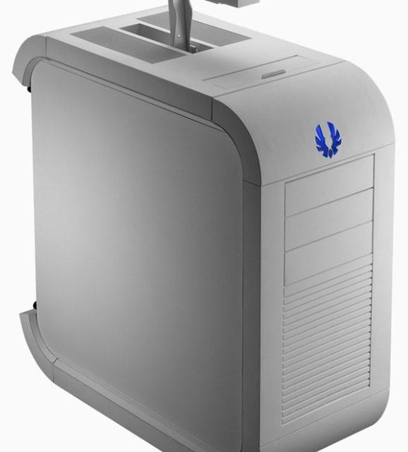 BitFenix Unveils Survivor White Portable Mid-Tower Case