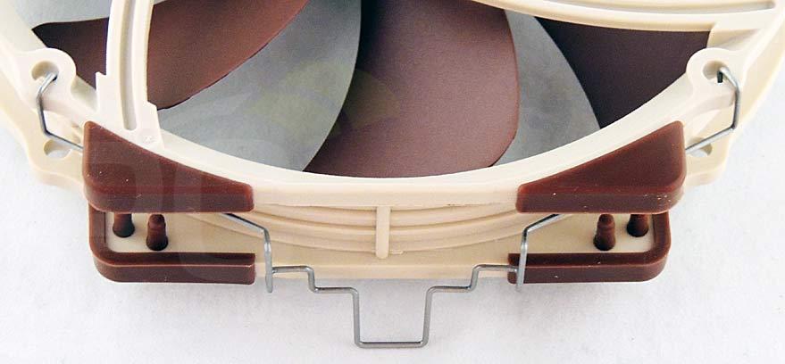 015-140mmfan-mount-top.jpg