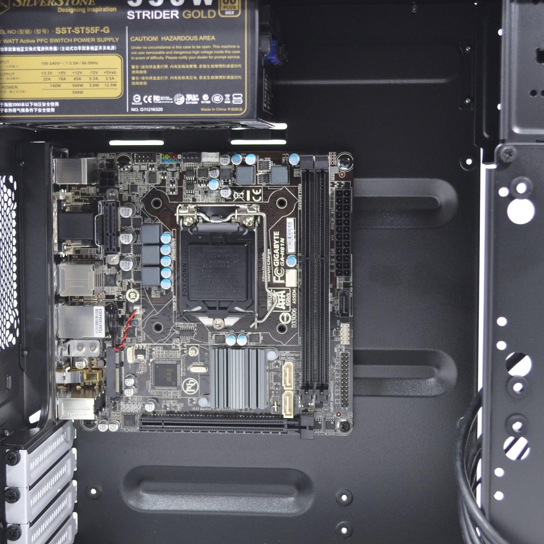 1100-motherboard.jpg