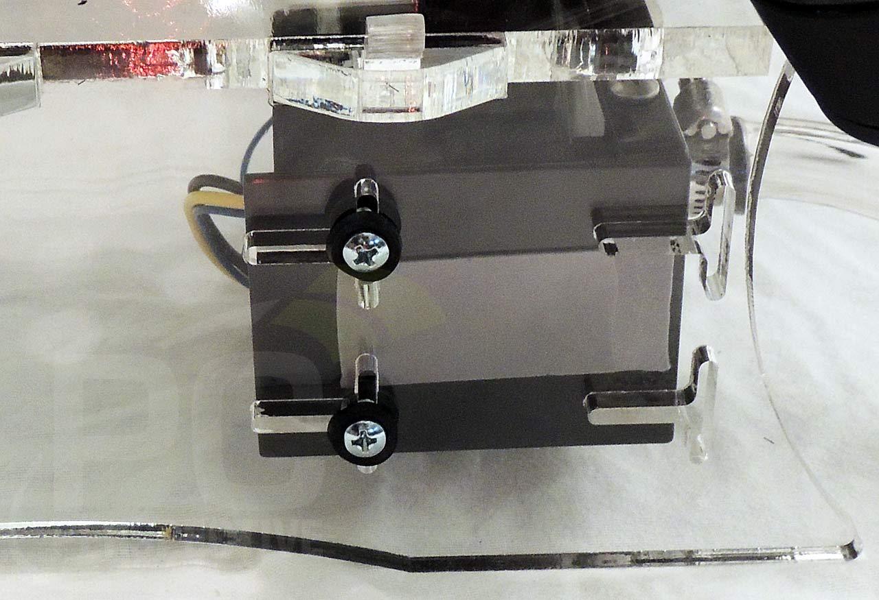 09-case-pump-mount-back.jpg