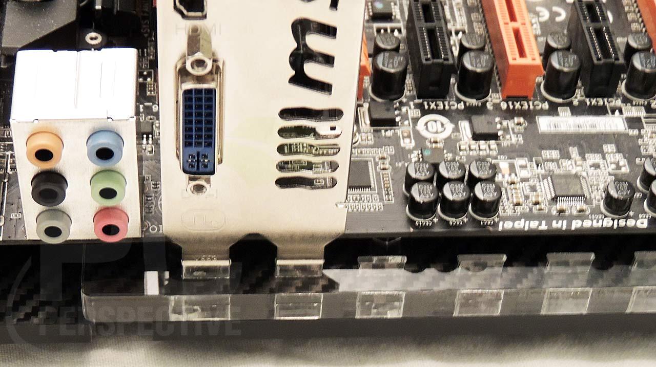 14-mb-tray-eatx-mb-pcie-hold-down-closeup.jpg