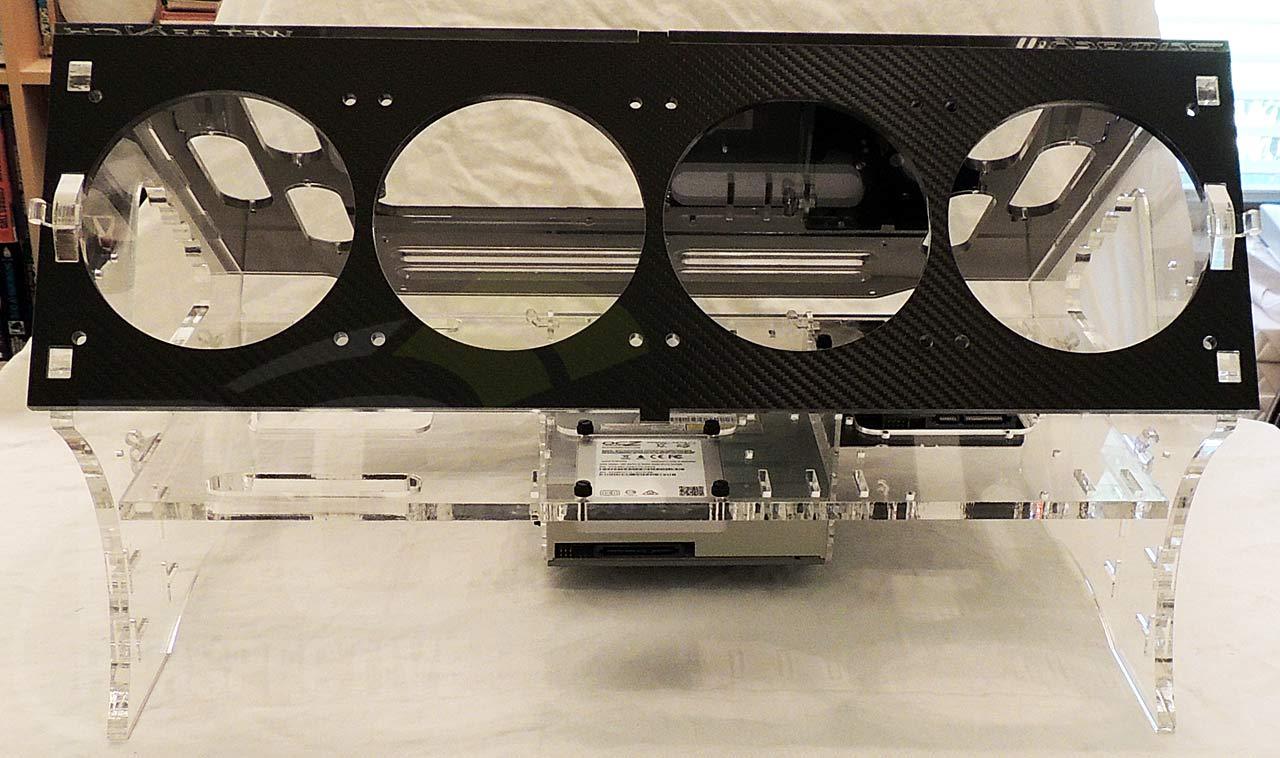 02-case-rear.jpg