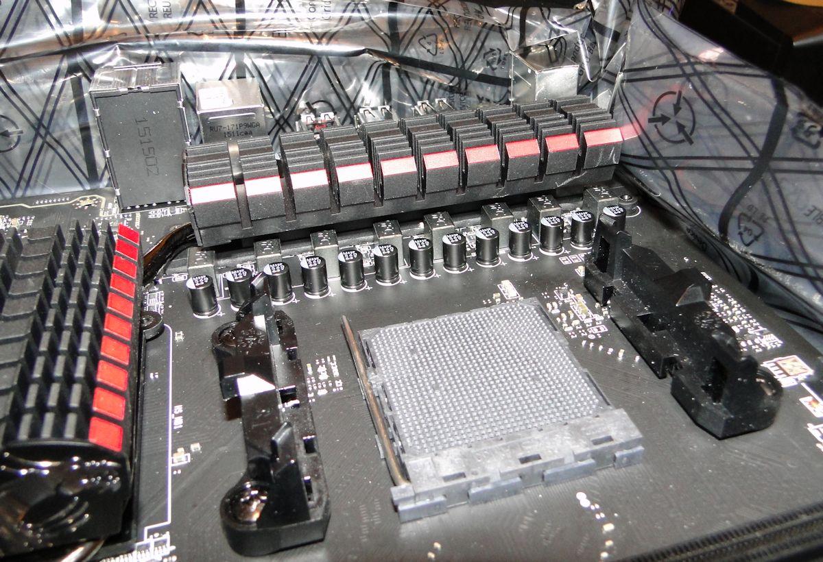 msi-990fxa-g-02.jpg