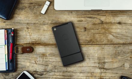 Kangaroo is a Pocket-Sized Battery-Powered Windows 10 PC