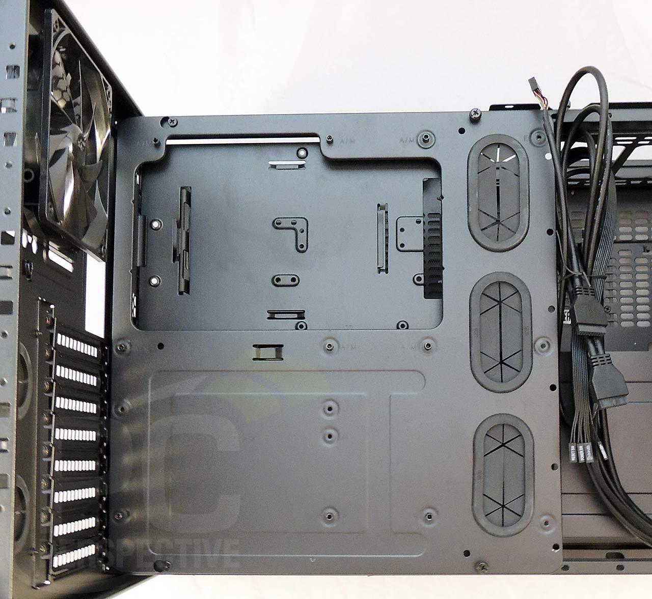05-case-nopanels-top-mbtray-closeup-1.jpg