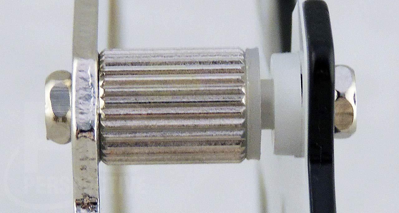 09-mount-standup-closeup.jpg