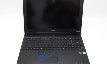 AORUS' X5 V7-KL3K3D gaming laptop, no external monitor required
