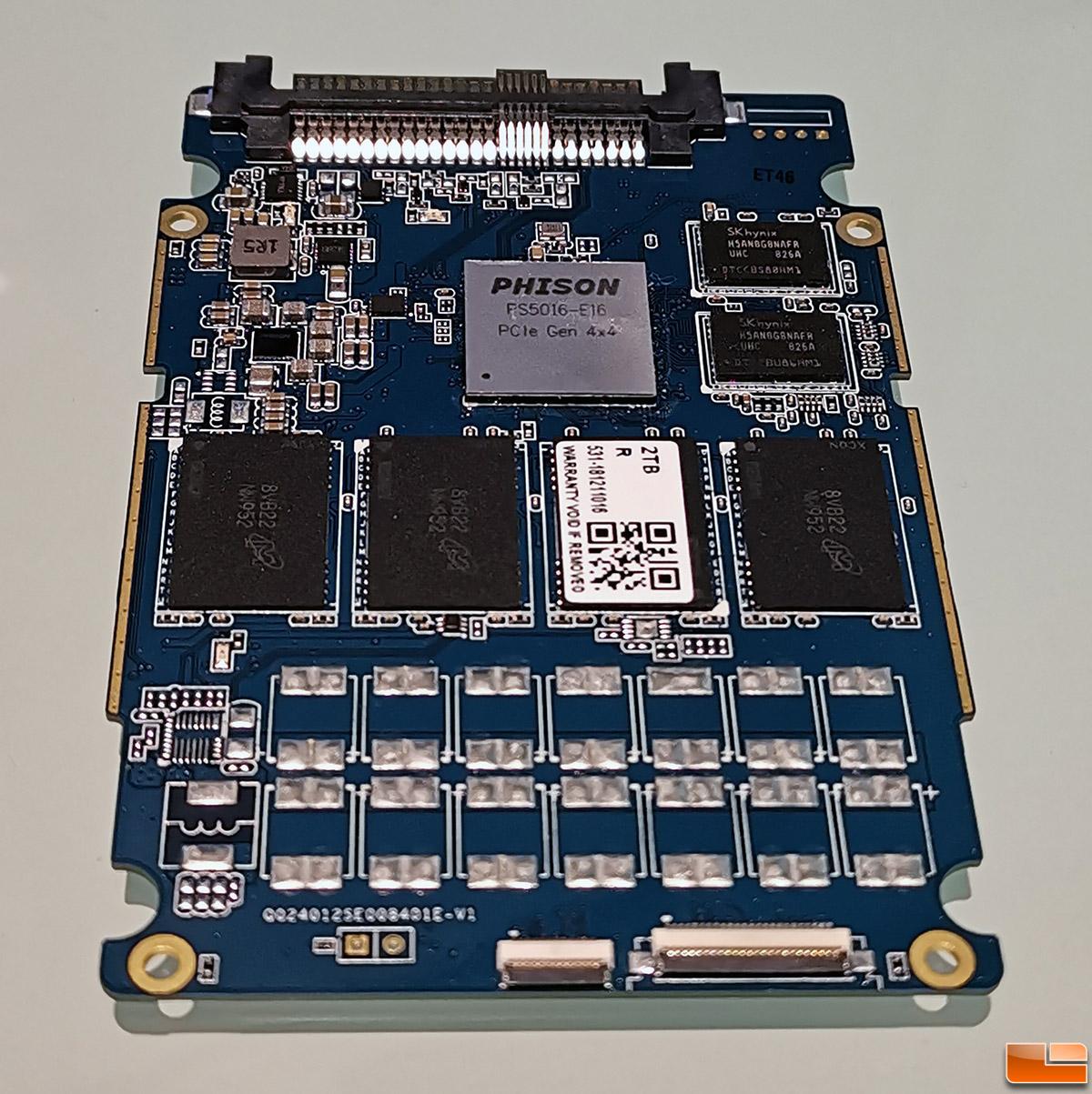 phison-ps5016-e16-prototype-lr.jpg