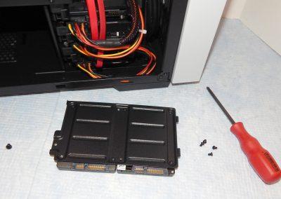 31-SSD-tray
