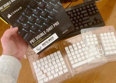 Corsair K70 RGB TKL Keyboard & Sabre RGB Pro Mouse Review - General Tech 37